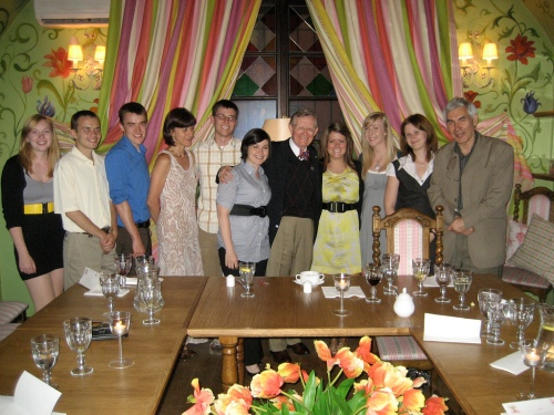 President Gordon Gee Meets with Students of OSU Summer School in Social Sciences in Warsaw