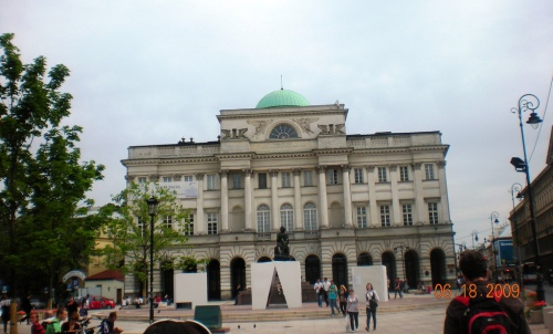 Where Students Attend Courses at the Polish Academy of Sciences Building
